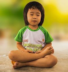 meditating-1894762_1920.jpg