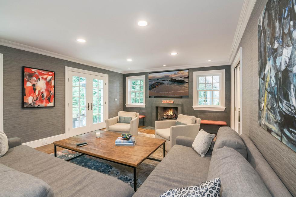 Living Room 1_2.jpg
