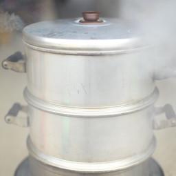大豆を蒸す
