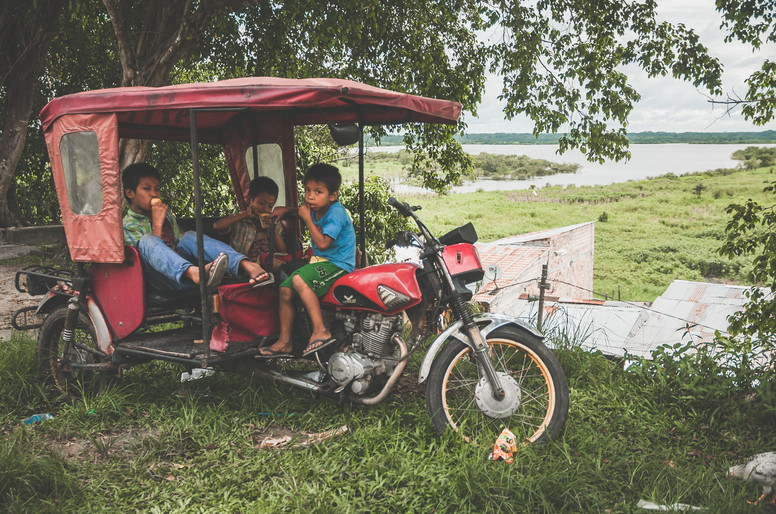 Iquitos Kids in Tuk Tuk web.jpg