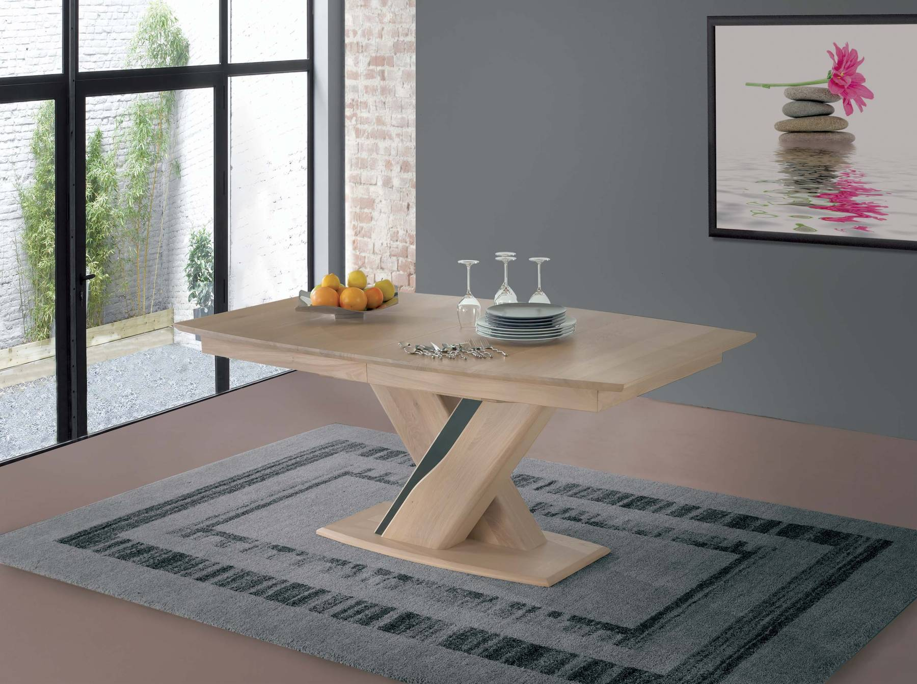 Table tonneau pied central