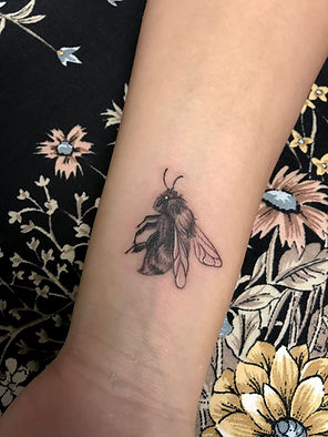 bee tattoo