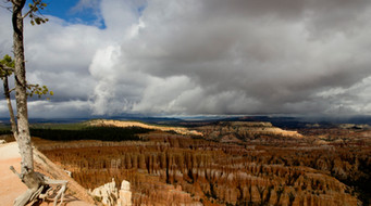 Hiking in Bryce Canyon National Park - Utah