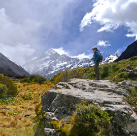 Tramping/Hiking the Hooker Valley Track - Aoraki/Mount Cook National Park, New Zealand