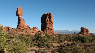 Hiking & Exploring Arches National Park – Moab, Utah