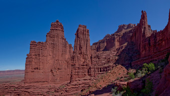 Hiking at Fisher Towers - Utah