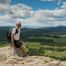 Hiking in Meyer Ranch Park/Legault Mountain – Jefferson County, Colorado.