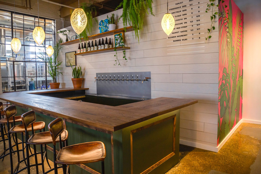 Bar and Canopy Wall