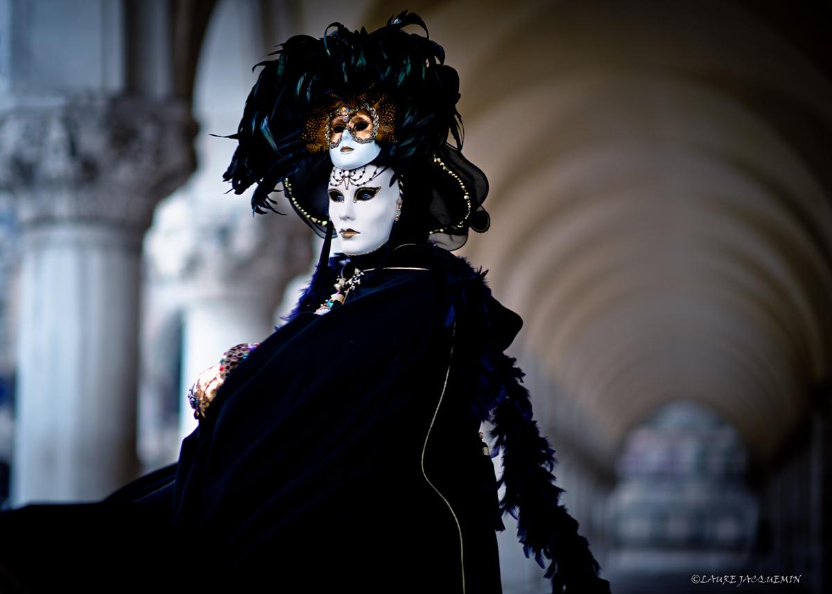 laure jacquemin venise carnaval photographe (47).jpg