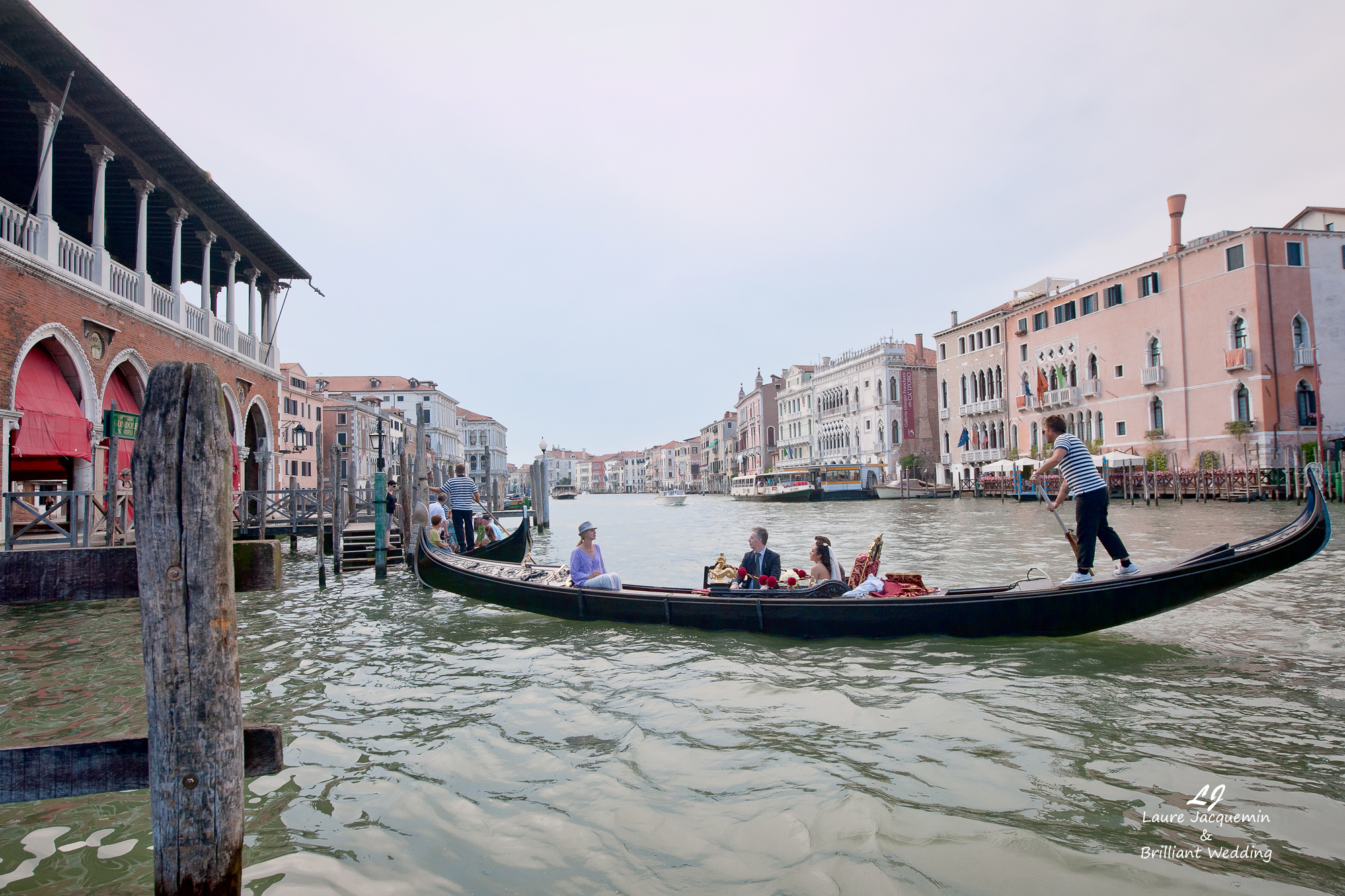 Venice Simbolic Wedding gondola venice Italy laure jacquemin photography (53) copia