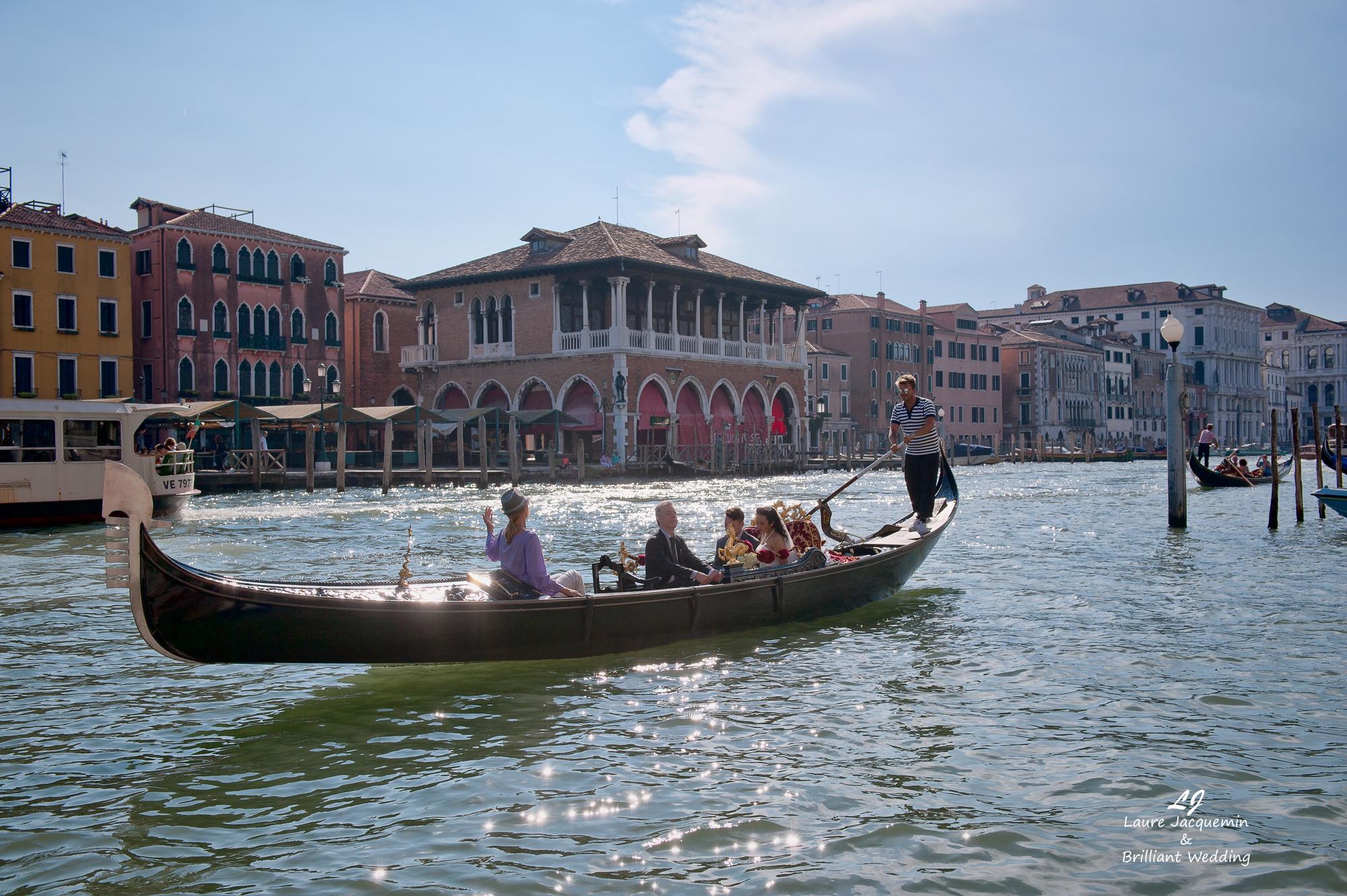 Venice Simbolic Wedding gondola venice Italy laure jacquemin photography (21) copia