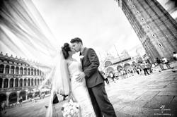 Venice Simbolic Wedding gondola venice Italy laure jacquemin photography (88) copia
