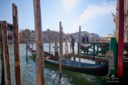 Venice Simbolic Wedding gondola venice Italy laure jacquemin photography (20) copia