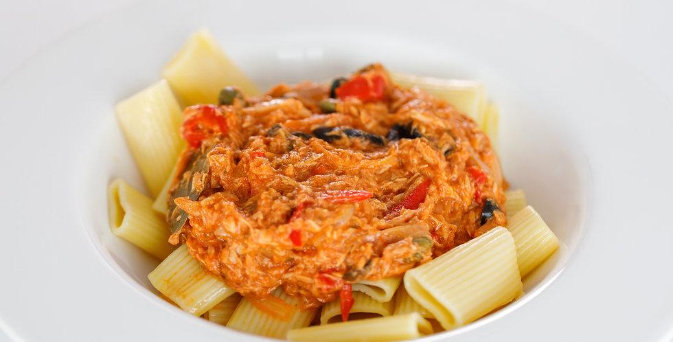 Salsa de atún con pimientos, cebolla y alcaparras