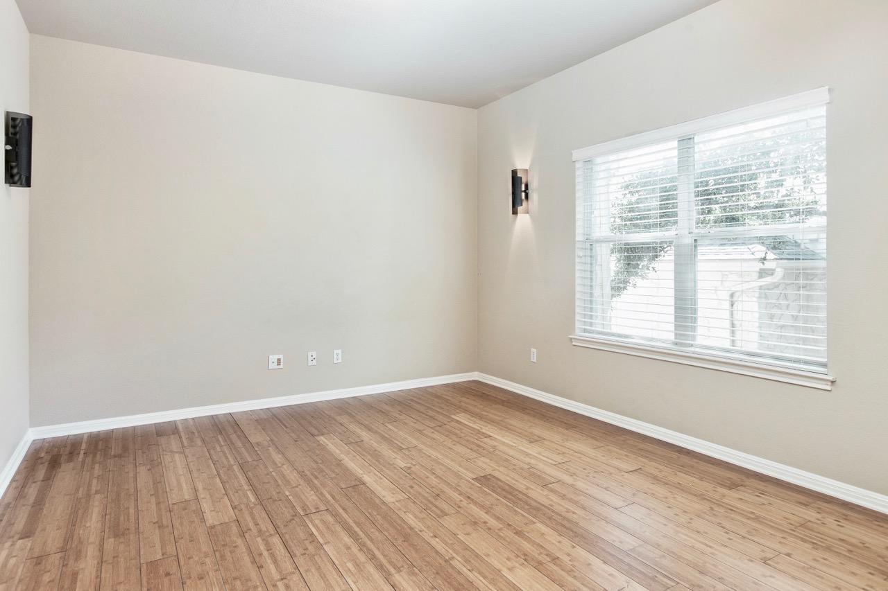 Media Room/6th Bedroom
