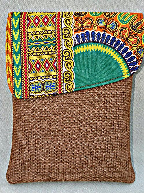 Small Woven Tablet Bag w/strap: mocha