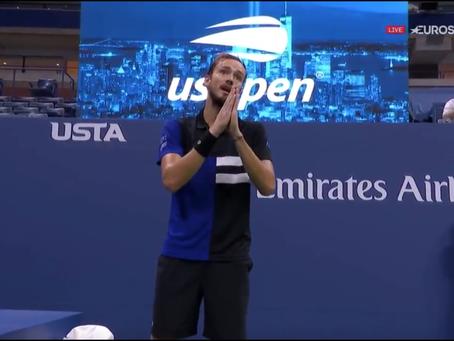 """""""Mis más sinceras disculpas"""": El insólito warning que le dieron a Medvedev en semis del US Open"""