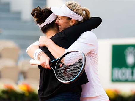 Histórico: Alexa Guarachi alcanza la final de Roland Garros en dramático partido
