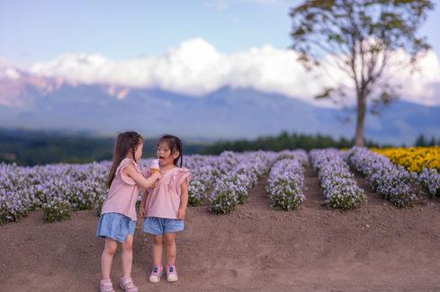 富良野四季彩之丘 花海親子寫真 2019-07-17-15-47-25-VA4_