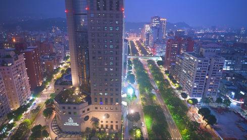 希爾頓酒店 Hilton Taipei Sinban Hotel台北新板空拍