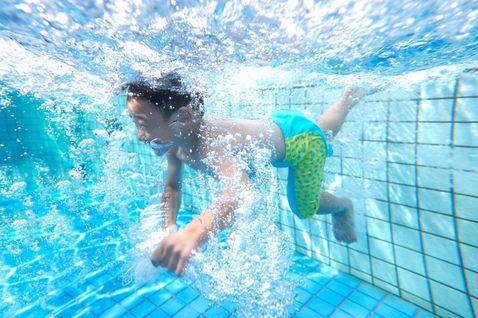 水中潛水親子攝影 2014-09-28華山藝文特區 玩水 新竹培英國中老師 08