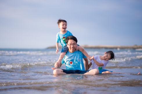 淡水沙崙海灘 玩水親子寫真 2017-08-14-17-39-01-VA4_42