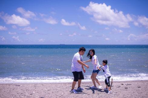 海灘玩水親子寫真 2019-08-01-11-51-49-VA4_0501.JP