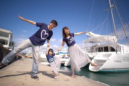 墾丁遊艇親子yacht-family-portrait-1000x666.JPG