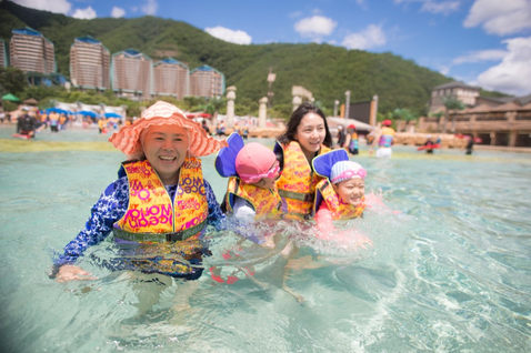 韓國水上樂園親子寫真103.JPG