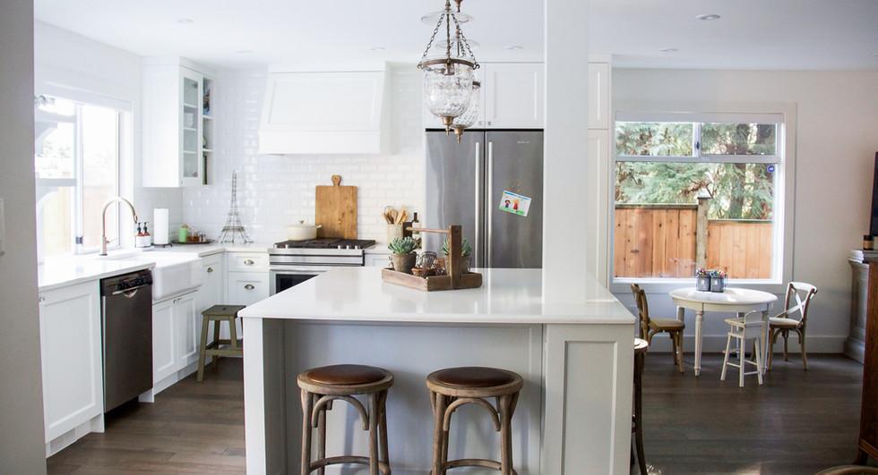 kitchen-french-vintage-white-big-windows