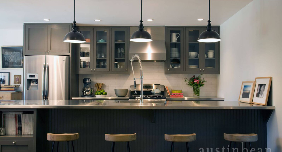 Kitchen-with-stainless-steel-countertops