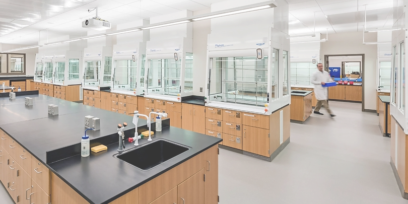 protector-hoods-in-yale-university-lab_e
