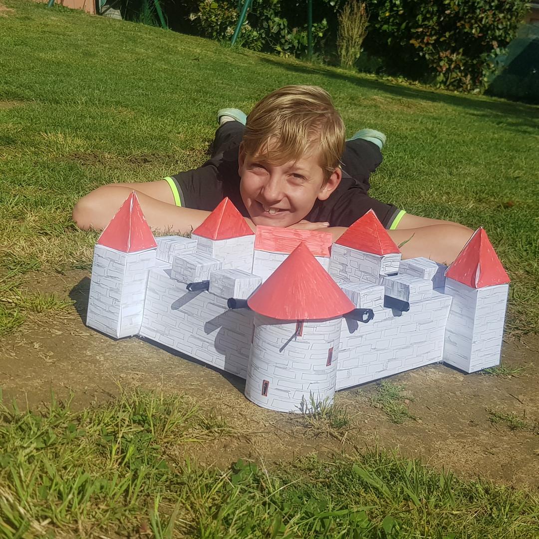 Greuin Marius - chateau.jpg