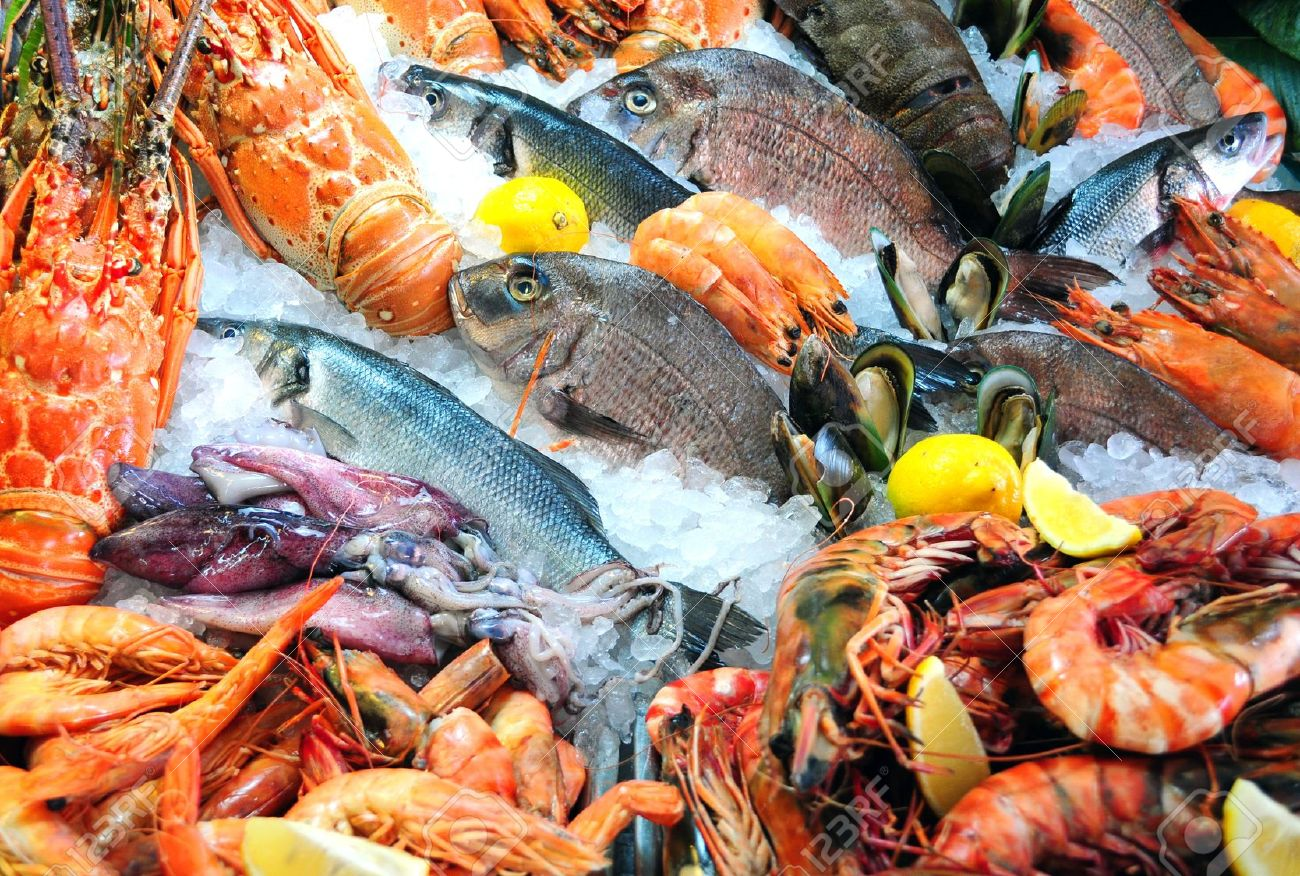 11408371-Fresh-seafood-photographed-in-fish-market-Stock-Photo