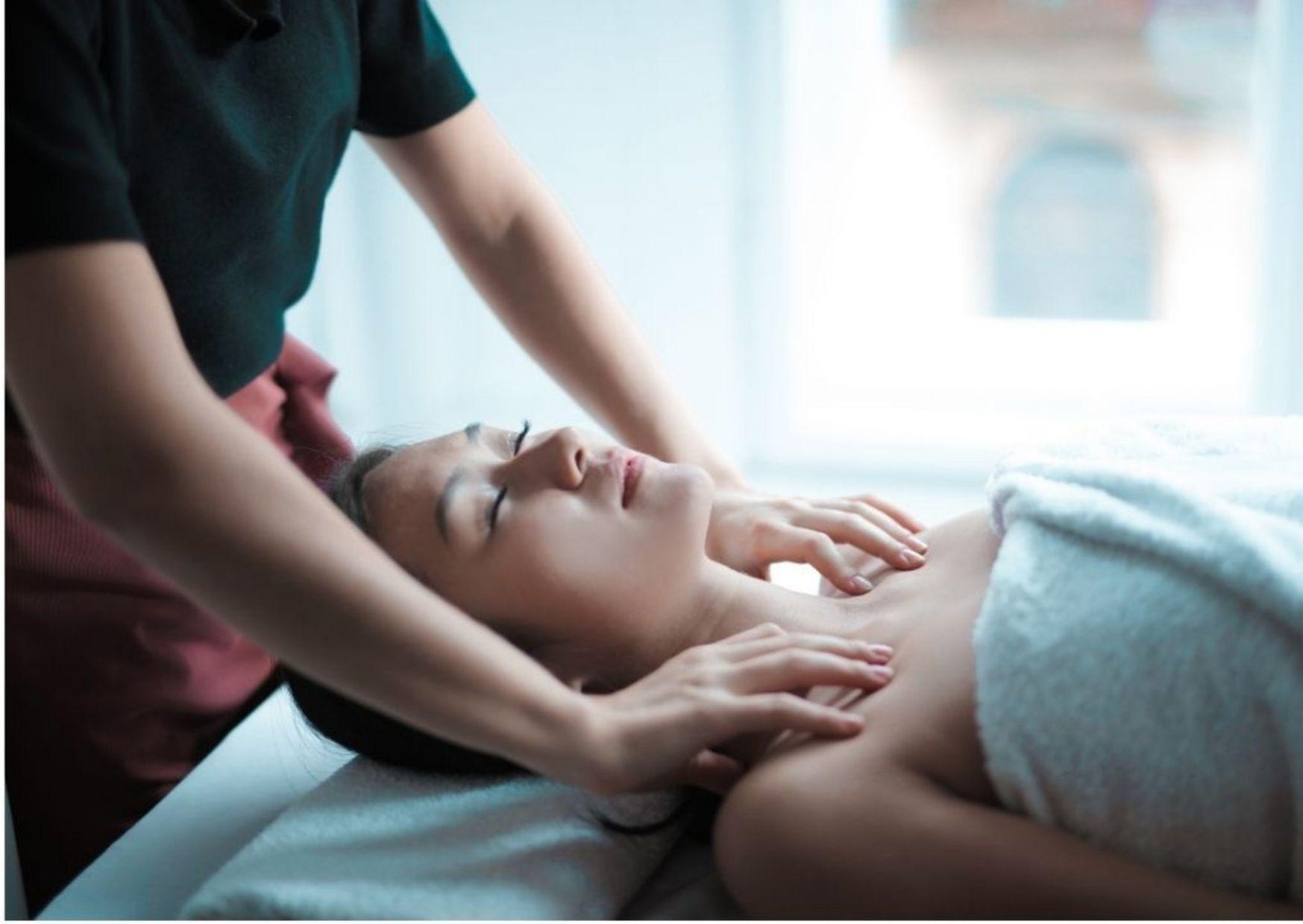 Massage (45 Min)