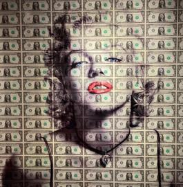 "MARILYN ""kiss kiss"" - by Van Apple"
