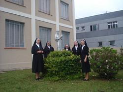 Irmãs da Sagrada Família