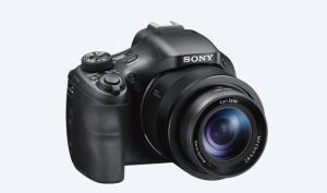 Nova câmera da Sony é voltada para profissionais da fotografia digital (Foto: Divulgação/Sony)