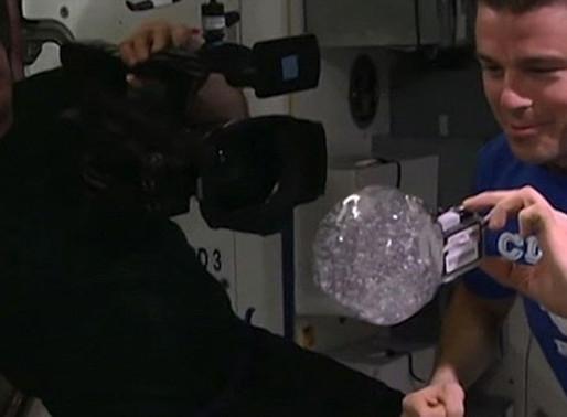 GoPro dentro de uma bolha de água