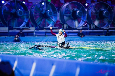 Justyna Sniady Lands a Frontloop at the PWA Indoor World Cup