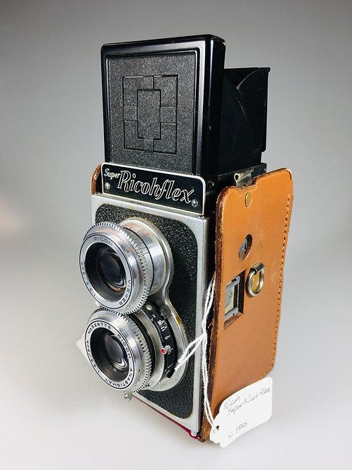 Lot #3 - Super Ricohflex TLR with case