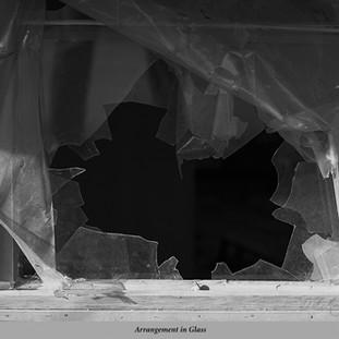Arrangement in Glass