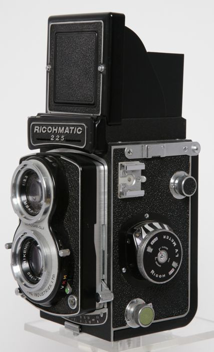 Ricohmatic 225 twin lens reflex vintage camera
