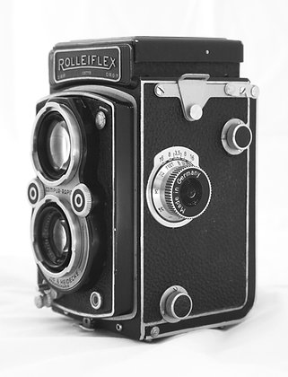 Rolleiflex Automat K4B2 medium format TLR film camera with 75mm F3.5 Xenar lens, front left