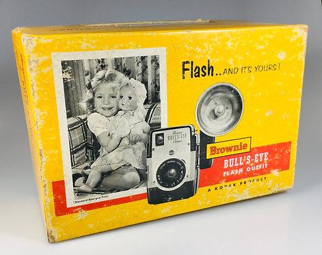 Lot #8 -Kodak Brownie Bull's Eye Flash outfit