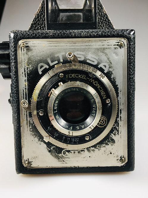 Lot #4 - Altissa box camera