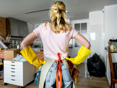 What Do House Cleaners Charge per Hour?