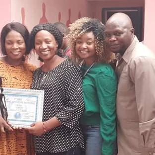 Anne Marie Marah : premier prix de la femme citoyenne de Guinée 2020.