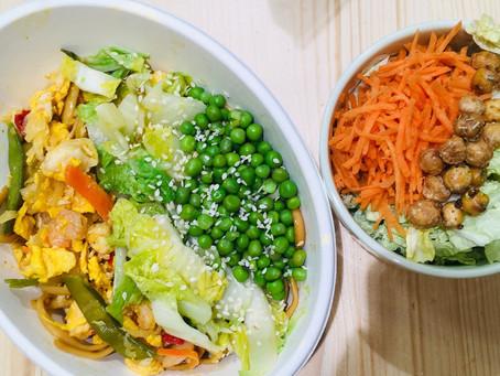 Bol thaï du jour : nouilles sautées aux légumes . Choux chinois et sésame !