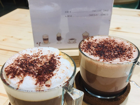 Quoi de mieux pour se réchauffer qu'un chocolat chaud ou un café latte au Jardin de Line